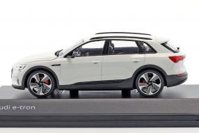 Modellautos Audi e-tron 2018 1:43 Spark