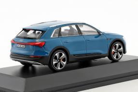 modelcars modellini Audi e-tron 2018 1:43 Spark
