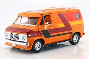 Chevrolet G-series Van 1976 1:18