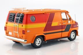 modellini Chevrolet G-series Van 1976 1:18