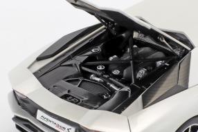 niniatures Lamborghini Aventador S 2017 1:18