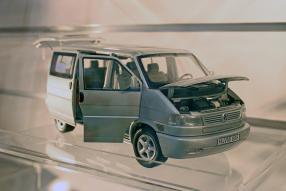 Volkswagen VW T4 1:18