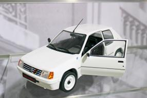 Peugeot 205 1:18, Spielwarenmesse / Foto: ck-modelcars.de