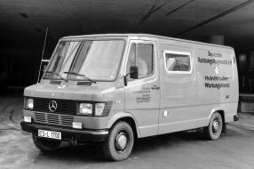 Mercedes-Benz 208 1988
