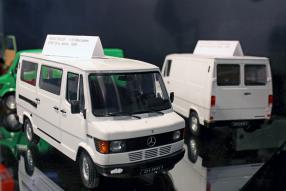 Mercedes-Benz 208 1988 1:18 Spielwarenmesse
