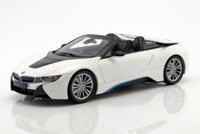 BMW i8 Raodster 2018 1:18
