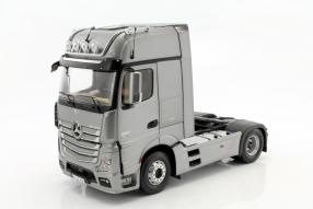 Mercedes-Benz Actros Sattelzugmaschine 1:18 NZG