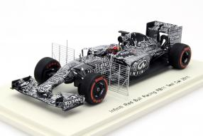 Daniil Kvyat Red Bull RB11 Bahrain 2015 Test Car 1:43 Spark