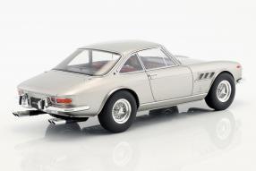 Modellautos Ferrari 330 GTC 1:18
