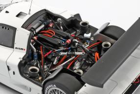 miniatures Nissan R390 GT1 Le Mans 1998 1:18