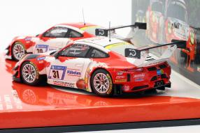 miniatures Porsche 911 GT3 R 2018 Frikadelli Racing Set 1:43
