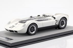 McLaren Elva 1965 1:18