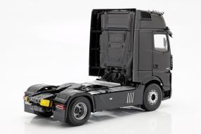 diecast miniatures Mercedes-Benz Actros 2018 1:18 NZG