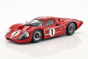 miniatures Ford GT40 Mk. IV No. 1 winner Le Mans 1967 1:18