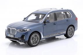 BMW X7 1:18