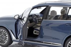 diecast miniatures BMW X7 1:18