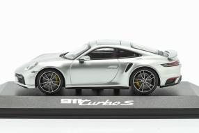 diecast miniatures Porsche 911 Turbo S 2020 1:43