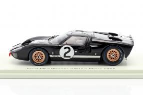Modellautos Ford GT40 Mk. II No. 2 winner Le Mans 1966 1:43