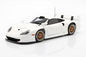 Porsche 911 GT1 1997 1:18