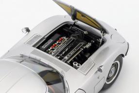 diecast miniatures Toyota 2000GT 1965 1:18 Autoart