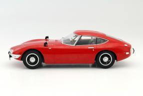 Toyota 2000GT 1967 1:18 Triple9