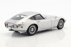 modelcars Toyota 2000GT 1965 1:18 Autoart