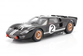 Ford GT40 Mk. II No. 2 winner Le Mans 1966 1:18 Spark
