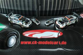 Großaufnahme: Logos und Modelle, copyright Fotos: CK / YM