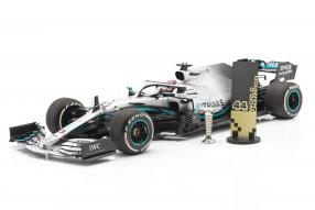 MercedesAMGF1 W10 No. 44 Hamilton 1:18 Minichamps