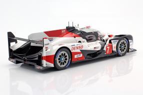 miniatures Toyota TS050 hybrid No. 7 Le Mans 2019 1:18