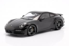 Porsche 911 Turbo S 2020 1:18 Minichamps