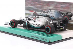 miniatures Lewis Hamilton Mercedes-AMG F1 W10 1:43 Minichamps
