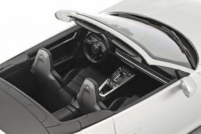 diecast miniatures Porsche 911 Turbo S Cabriolet 2020 1:18 Minichamps