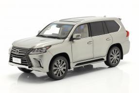 Lexus LX 570 1:18 Kyosho