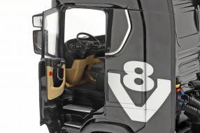 Modellautos Scania V8 730 S mit Auflieger Lohr 1:18 NZG