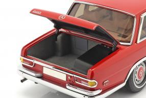 automodelli Mercedes-Benz 600 W100 Pullman 1972 1:18 CMC