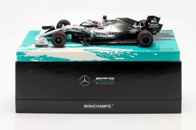 Lewis Hamilton Mercedes-AMG F1 W10 F1 2019 1:18 Minichamps mit Klappbox