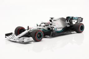 diecast miniatures Lewis Hamilton Mercedes-AMG F1 W10 F1 2019 1:18 Minichamps mit Klappbox