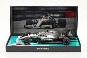 modelcars Lewis Hamilton Mercedes-AMG F1 W10 F1 2019 1:18 Minichamps mit Klappbox