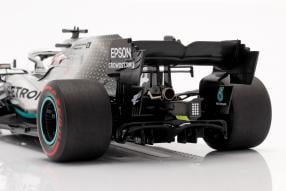 automodelli Lewis Hamilton Mercedes-AMG F1 W10 F1 2019 1:18 Minichamps mit Klappbox