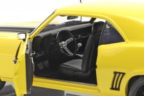 modelcars Chevrolet Camaro Z/28 Yellow Jacket 1969 1:18 GMP