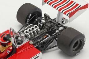 Modellautos McLaren Ford M23 No. 5 Fittipaldi 1974 1:18