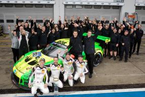 Manthey Racing gewinnt 24 Stunden Nürburgring 2018 mit Grello, copyright Foto: Porsche AG