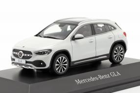 Modellautos Mercedes-Benz GLA 2020 1:43 Spark