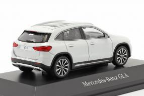 modelcars Mercedes-Benz GLA 2020 1:43 Spark