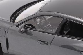 Modellautos Audi RS e-tron GT 1:18