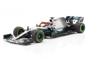 modelcars Lewis Hamilton Mercedes-AMG F1 W10 F1 Monaco 2019 1:18 Minichamps