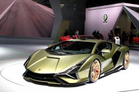 Lamborghini Sián FKP 37 2019, copyright Foto: Rutger van der Maar from Leiden, The Netherlands, CC BY 2.0 <https://creativecommons.org/licenses/by/2.0>, via Wikimedia Commons
