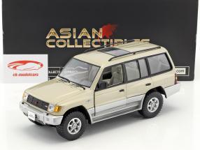 Mitsubishi Montero Long 3.5 V6 year 1998 beige metallic 1:18 SunStar