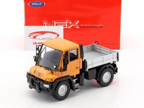 Mercedes-Benz Unimog orange / gray / black 1:32 Welly